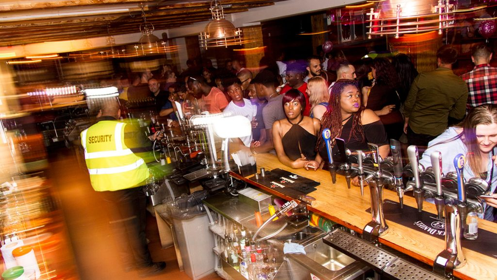 Crowed Bar