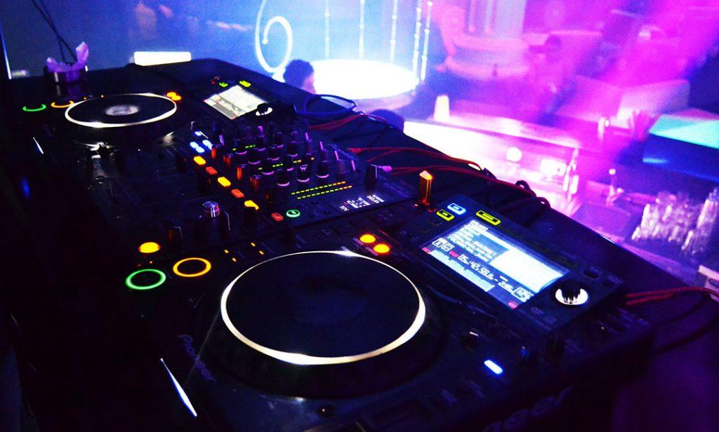 Dj Gear at Club Favin,